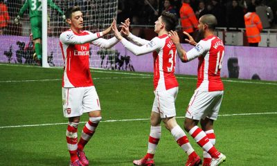 arsenal 10 feb 2015 celebrating walcott goal